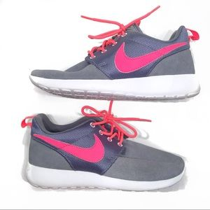 Nike Roshe Run Dark Grey/Atomic Red-White 4Y
